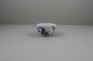 Worcester Porcelain Fence Pattern Teabowl and Saucer, C1765-80 (4)