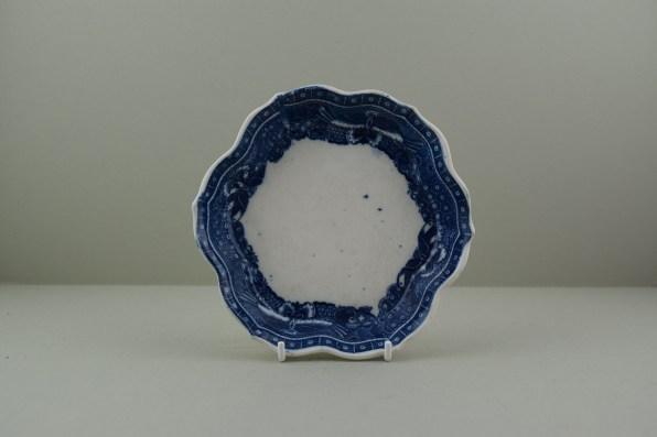 caughley-porcelain-fitzhugh-border-pattern-teapot-stand-c1785-89-a