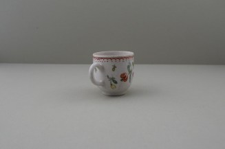 Bow Porcelain Flowers Pattern Coffee Cup, C1768-75. 4