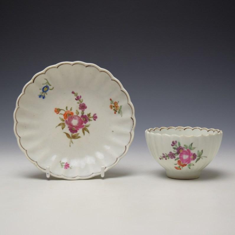 Lowestoft fluted floral teabowl and saucer c1785-90 (1)