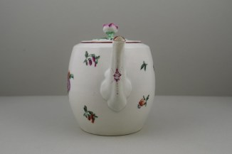 Worcester Porcelain First Period French Style Flower Pattern Barrel Shape Teapot a (3)