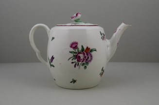 Worcester Porcelain First Period French Style Flower Pattern Barrel Shape Teapot a (5)