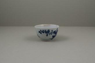 Worcester Porcelain Lanslip Pattern Teabowl and Saucer, C1755-60 (6)
