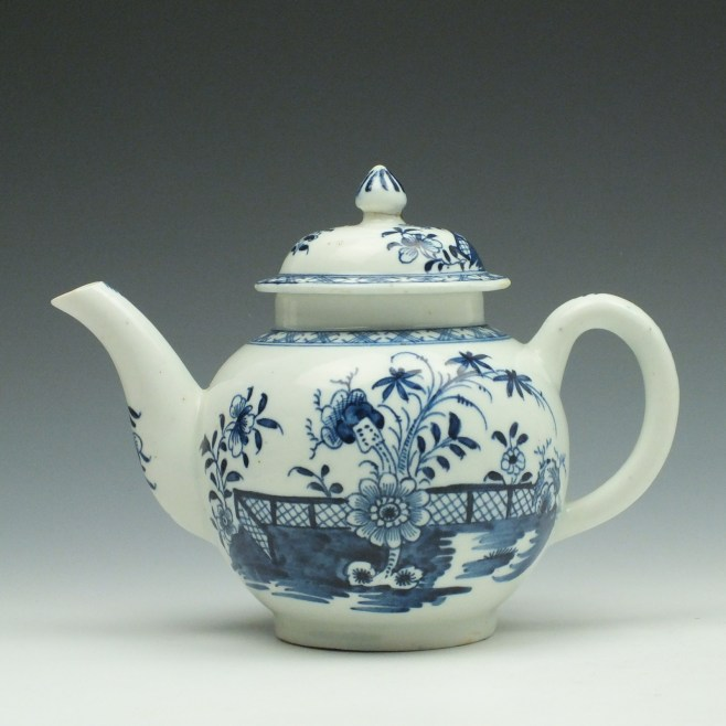 Lowestoft Porcelain Fence Peony Willow Pattern Teapot and Cover c1770-75 (1)