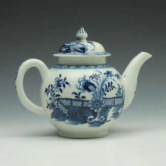 Lowestoft Porcelain Fence Peony Willow Pattern Teapot and Cover c1770-75 (4)