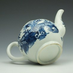 Lowestoft Porcelain Fence Peony Willow Pattern Teapot and Cover c1770-75 (8)