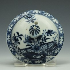 Lowestoft Porcelain Fence Peony Willow Pattern Teapot and Cover c1770-75 (9)