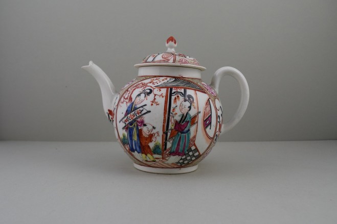 Caughley Mandarin Pattern Teapot and Cover, C1780 (1)