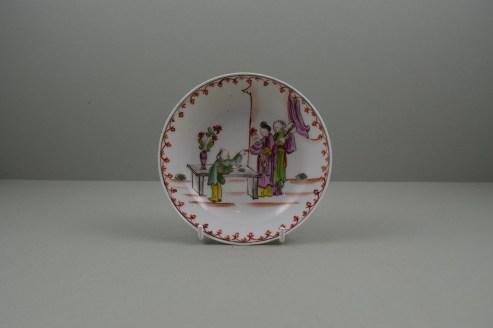 Lowestoft Porcelain Mandarin vase and Purple Curtains Pattern Teabowl and Saucer, C1780-85 (10)
