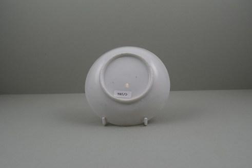 Lowestoft Porcelain Mandarin vase and Purple Curtains Pattern Teabowl and Saucer, C1780-85 (11)