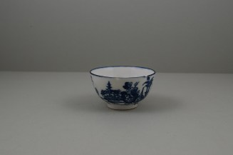 Caughley Porcelain Mother and Child and Bell Toy Patterns Teabowl and Saucer, C1776-90 (5)
