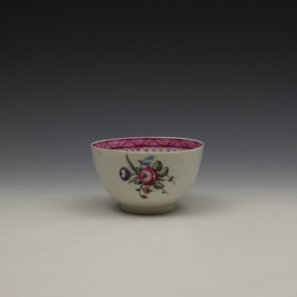 New Hall Rose and Floral Sprays Within a Pink Border Pattern Teabowl and Saucer c1800 (2)