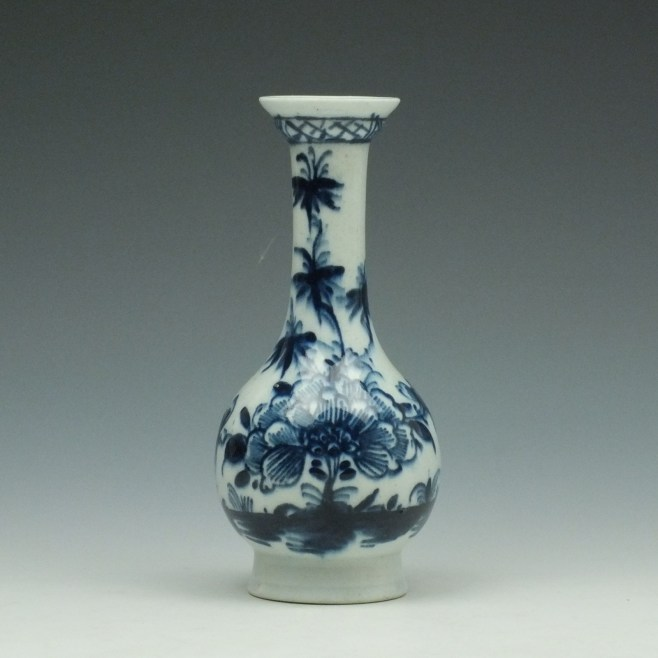 Lowestoft Peony and Bird Pattern Bottle Vase c1765-70 (1)