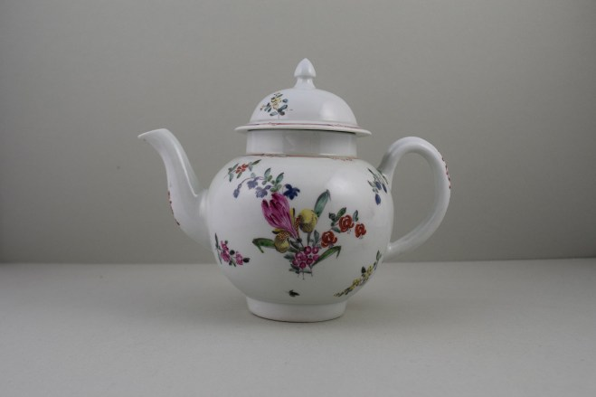 Liverpool Philip Christian's Porcelain Flower Pattern Teapot and Cover, C1760-65 (1)