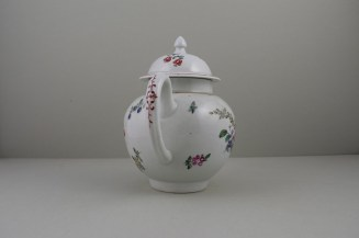 Liverpool Philip Christian's Porcelain Flower Pattern Teapot and Cover, C1760-65 (6)