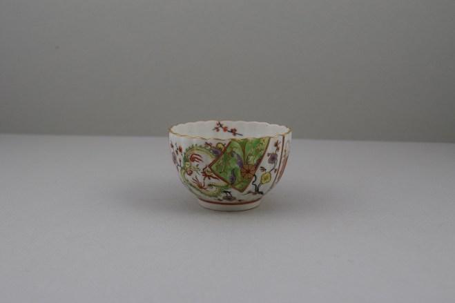 Worcester Porcelain Polychrome Dragon PatternTeabowl, Rare, C1780-90 (1)