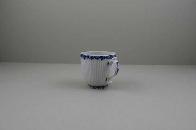 Lowestoft Porcelain Early Ribbed Flower Flower Band Border Pattern Coffee Cup, C1760-65 (6)