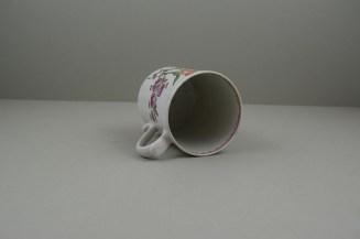 Lowestoft Porcelain Tulip Painter Mug, C1768-70. 9