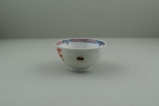 Lowestoft Porcelain Redgrave Two Bird Pattern Teabowl and Saucer, C1770-85. 4