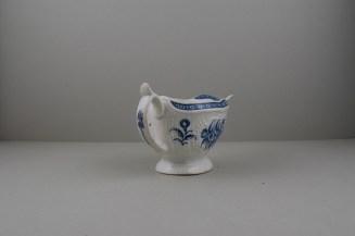 Worcester Porcelain Strap Flute Floral Pattern Sauceboat, C1770-80 (6)