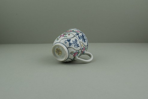 Worcester Porcelain The Floral Queens Pattern With Polychrome Flower Sprays Pattern Coffee Cup, C1770 (7)