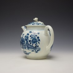 Worcester Three Ladies Pattern Teapot and Cover c1770-80 (6)