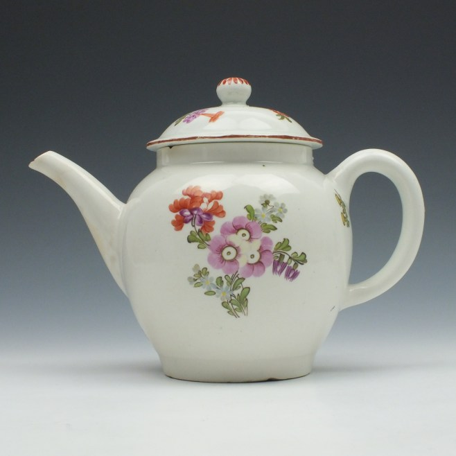 Lowestoft Porcelain Tulip Painter Teapot and Cover c1770 (1)