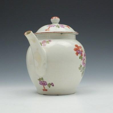 Lowestoft Porcelain Tulip Painter Teapot and Cover c1770 (2)
