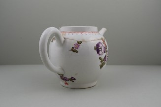 Lowestoft Porcelain Tulip Painter Teapot C1775-85. 6