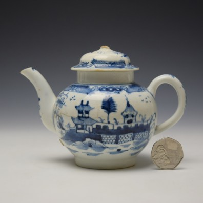 Uncommon Lowestoft Two Pagoda and Walled Garden Teapot and Cover c1780-90 (2)