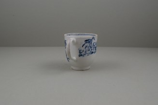 Lowestoft Porcelain Chinese Tea Party Pattern Coffee Cup, C1770 (5)