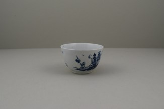 Lowestoft Porcelain Very Rare Windy Day Pattern Teabowl and Saucer, C1760 (3)