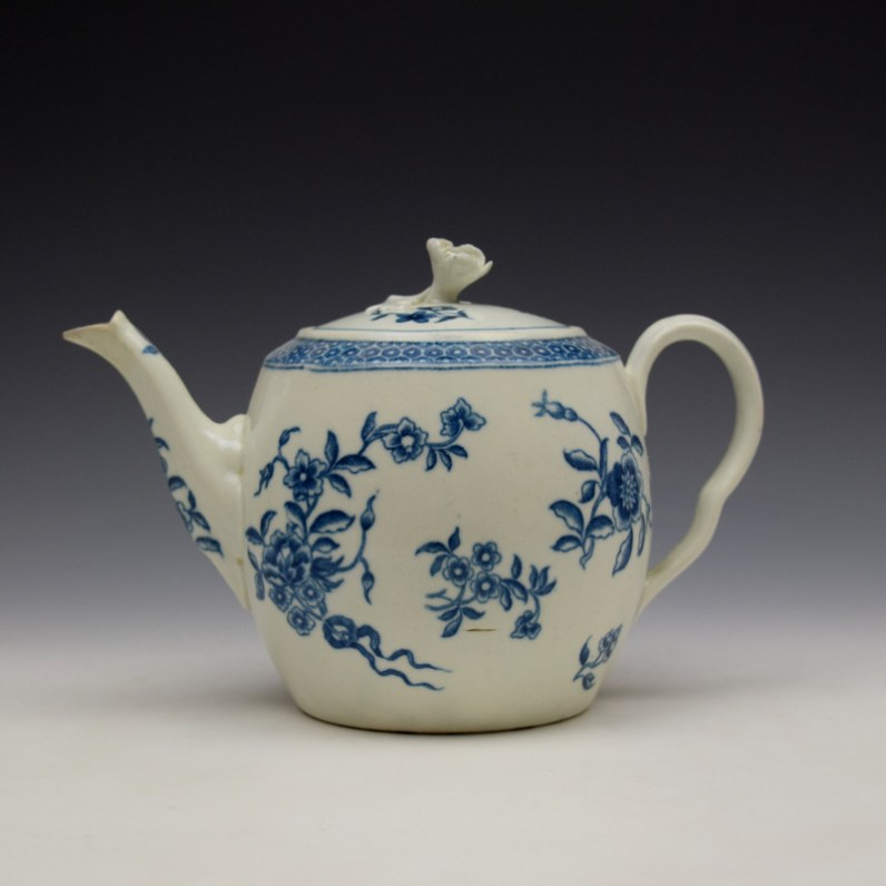 Worcester Ribbon Root Pattern Teapot and Cover c1775 (1)