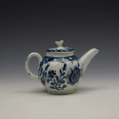 Lowestoft Porcelain Sunflower Pattern Toy Teapot and Cover c1762-63 (6)