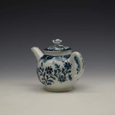 Lowestoft Porcelain Sunflower Pattern Toy Teapot and Cover c1762-63 (8)