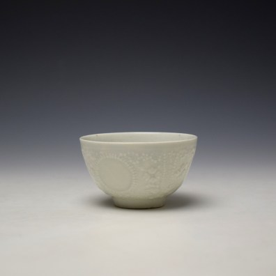 Lowestoft White Hughes Moulded Teabowl and Saucer c1762-65 (5)