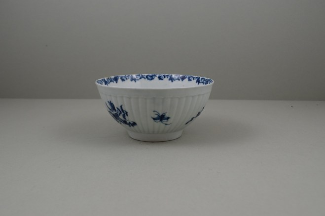 Worcester Porcelain Dr Wall The Reeded Teaware Centre Pattern Slop Bowl, C1755 (6)