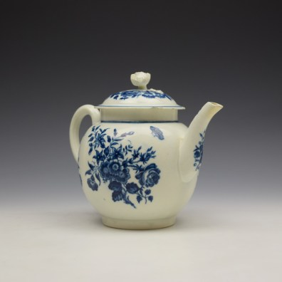 Worcester Three Flowers Pattern Teapot and Cover c1770-80 (4)