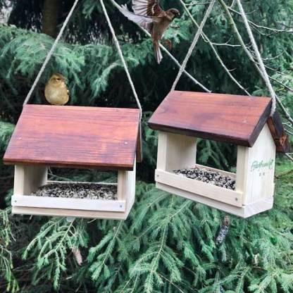 Vogelfutterhäuser