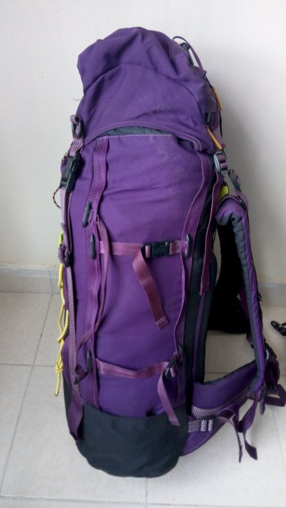 75 L Hiking Backpack with Rain cover Backpackers Den4