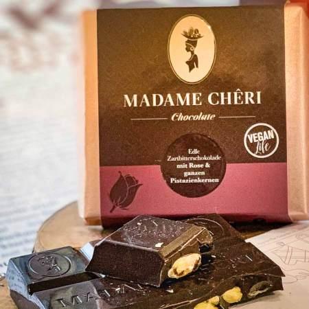 Madame Chêri - Zartbitter Rose mit ganzen Pistazien