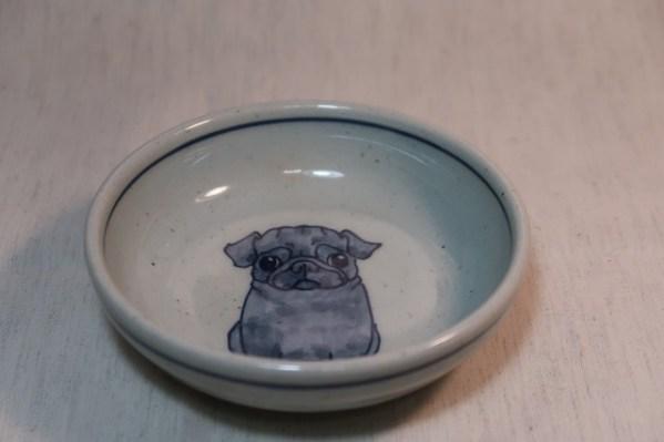 小平鉢 黒パグ