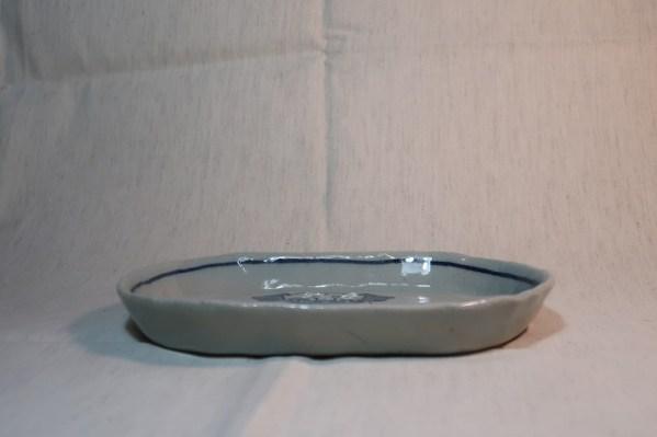 楕円皿 パグ立ち姿