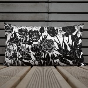 Pillow with tulips