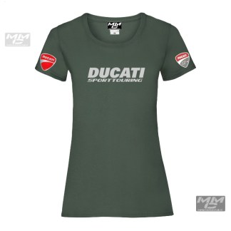 """Zilvergrijs gekleurde opdruk """"Ducati SportTouring""""op een donkergroen T-shirt."""