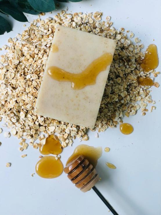 The Natural Mums Company Honey Oatmeal Bar Soap