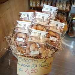 biscotti con farina di roveja