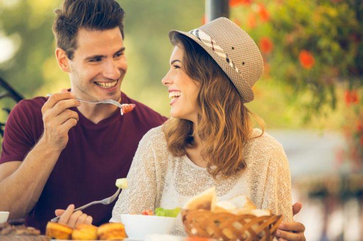 Couple enjoying Thomasville Food Tour