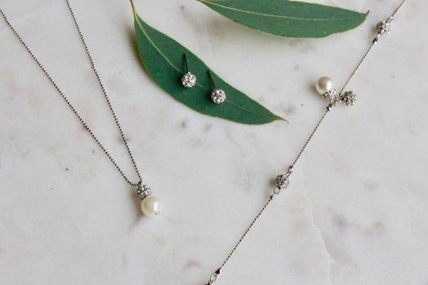 Brautschmuckset Kette Ohrstecker Charm-Armband Perle Straß