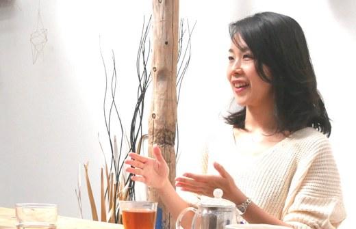 桶田弥里先生がインタビューに答えてくれている様子